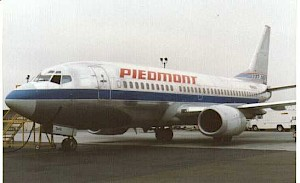 Piedmont 737-300 with smile
